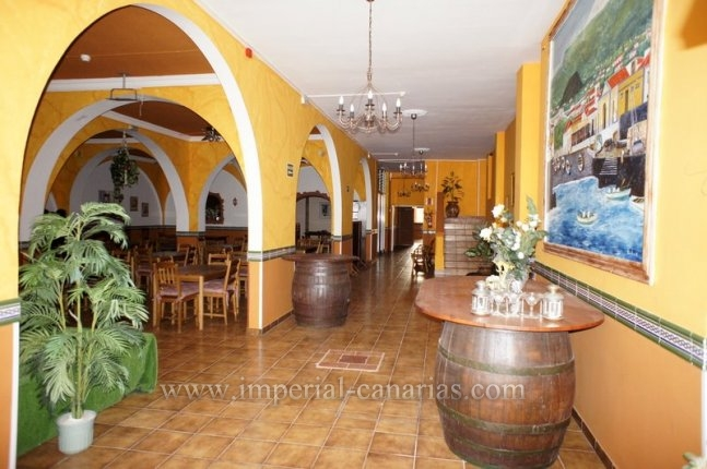 Spacious commercial property for sale in La Paz  click to enlarge the image