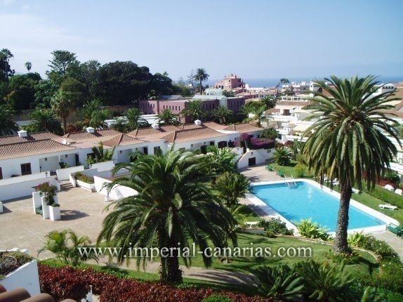 Beautiful apartment for rent with heated pool and tropical gardens  click to enlarge the image