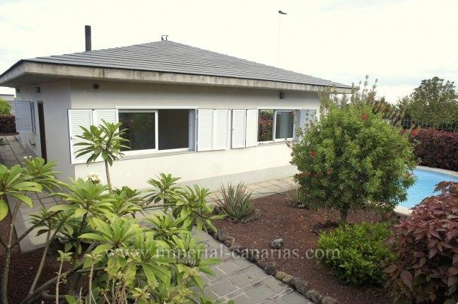 Chalet in Camino Real  -  Elegant villa with pool and big garage in Puerto. Cruz
