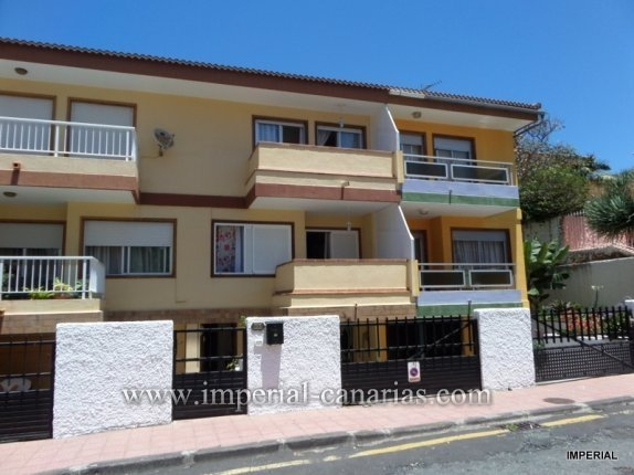 Beautiful and newly renovated townhouse in the area of La Paz!  click to enlarge the image