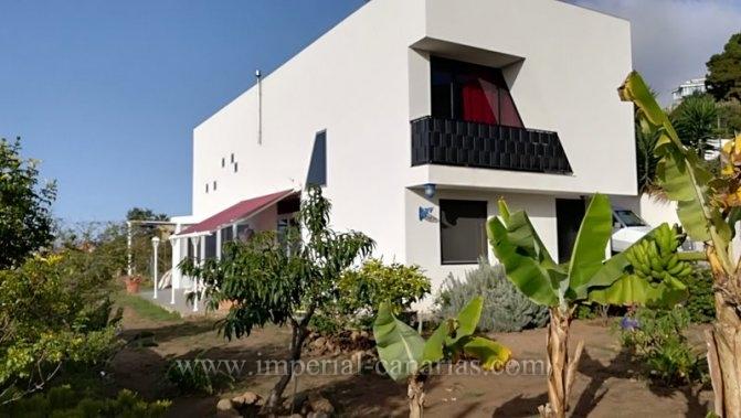 Modernes Einfamilienhaus mit schöner Aussicht im Norden der Insel