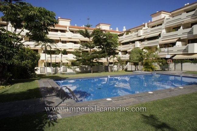 Flat in La Asomada  -  Enjoy this one bedroom apartment located in a privileged residential area with pool and tennis court in La Asomada.
