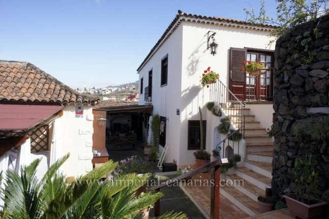 Canary style house in Santa Ursula  -  Beautiful Canarian house with guest house, large garden and wonderful views