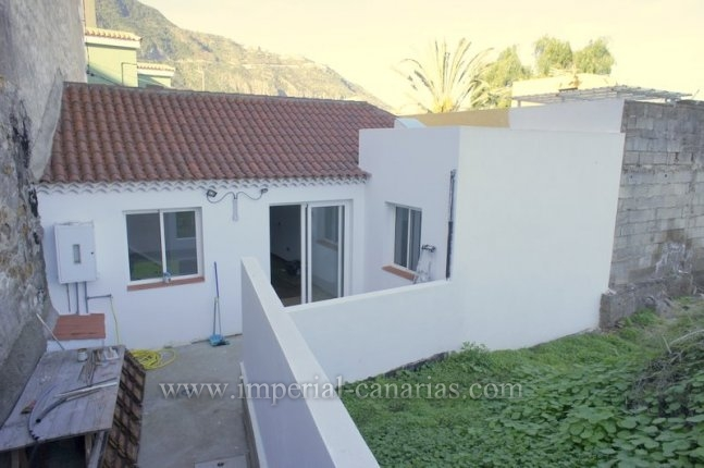 Canary style house in Los Realejos  -  Charming canarian house completely restored in modern style