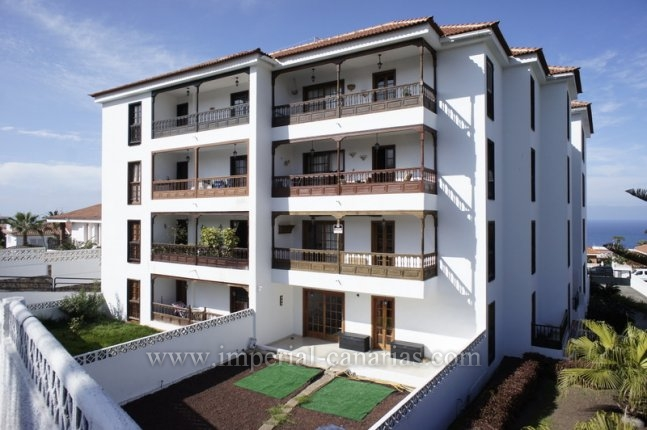 Flat in El Toscal  -  Huge flat with 4 bedrooms and big balcony!