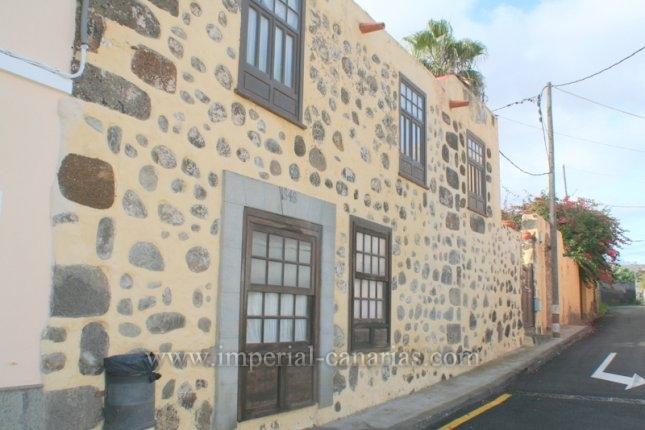 ¿Busca una buena inversión? Esta es su oportunidad, casa histórica con 3 viviendas, ideal para explotación en turismo vacacional.