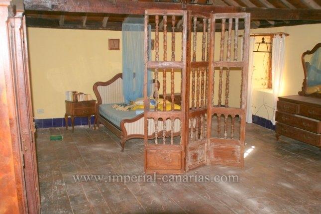 Suche Sie eine gute investition? Dieses ist Ihr Objekt. Historiches Haus von 1848 mit drei Wohneinheiten, ideal für Ferienvermietung.