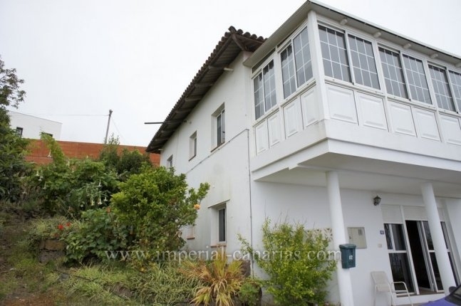 Casa con jardín, apartamento de invitados y preciosas vistas
