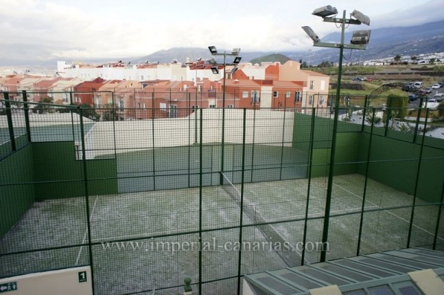Studio for rent in buliding with communal pool near Los Realejos