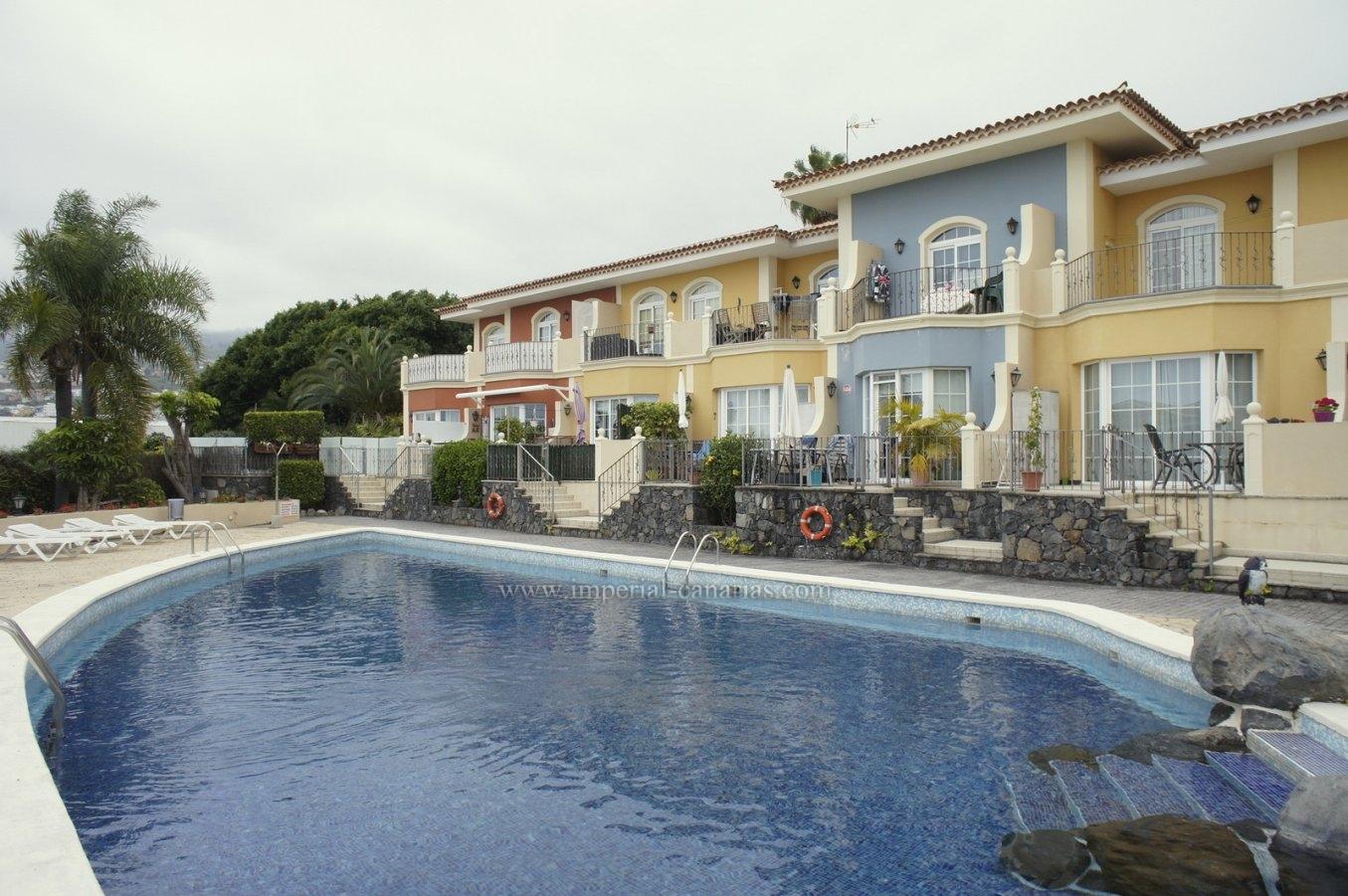Tolle Einsteigerwohnung mit Garage und Pool in La Quinta!