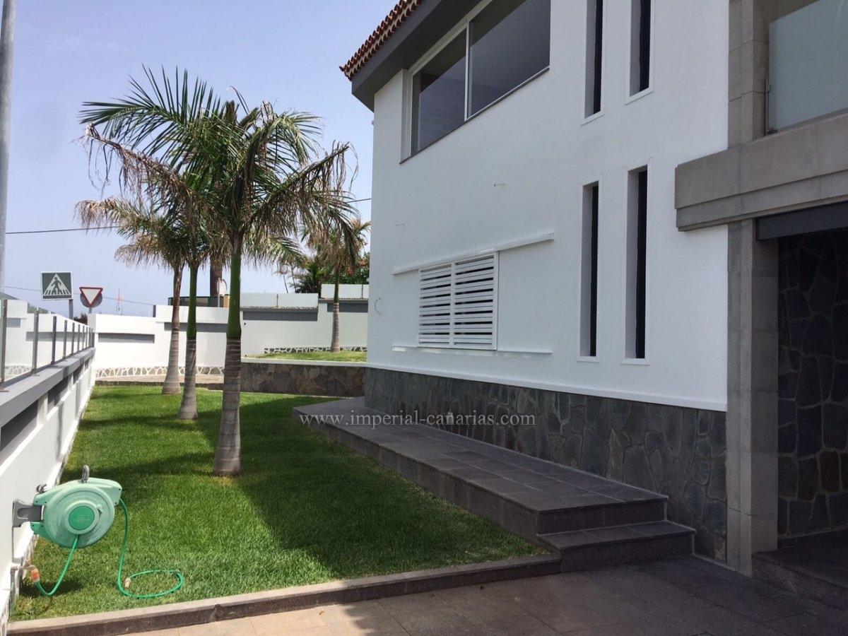 Casa unifamiliar de nueva Construcción en Punta del Hidalgo
