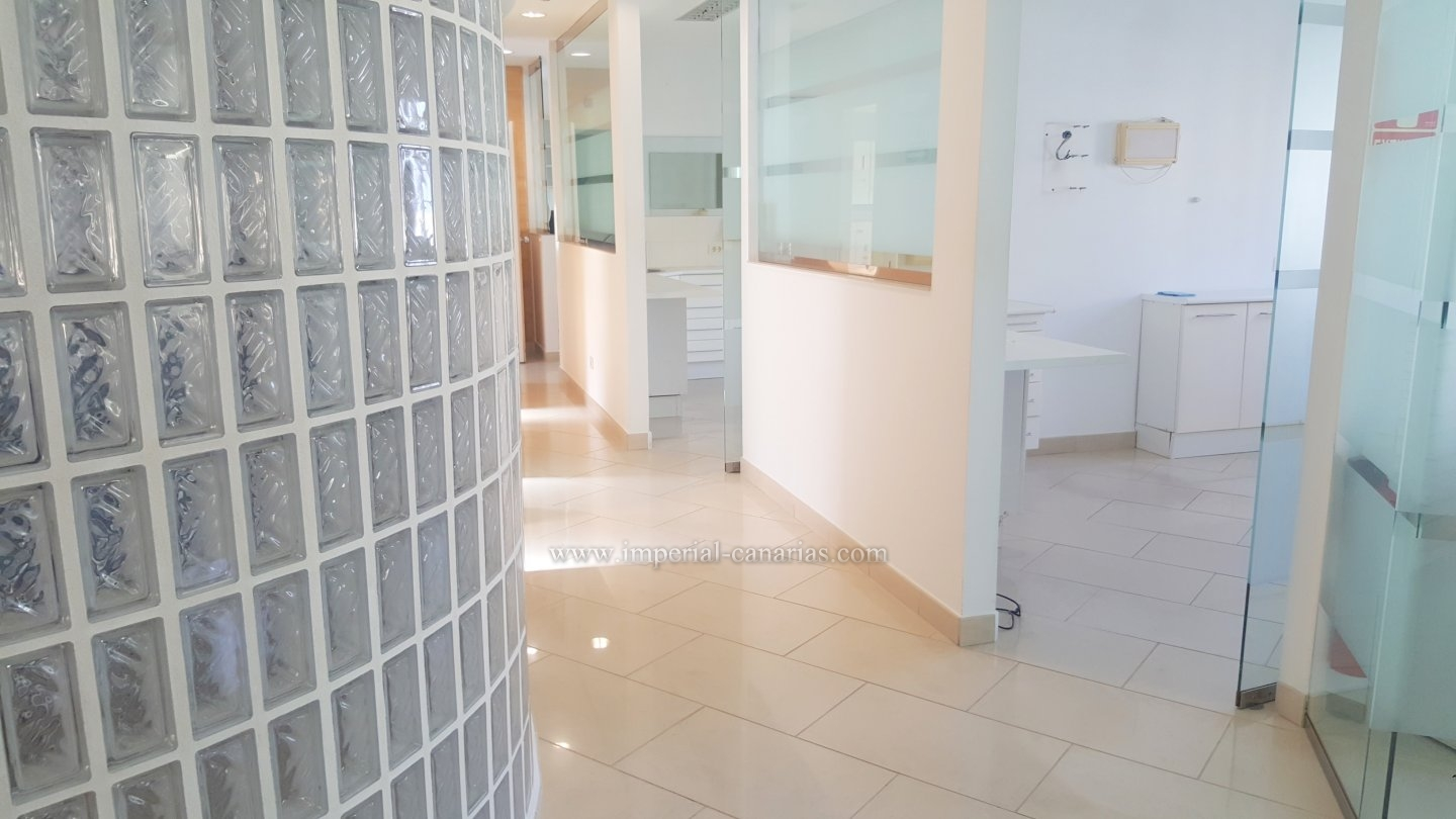 Beautiful, spacious and modern commercial premises in the heart of La Orotava