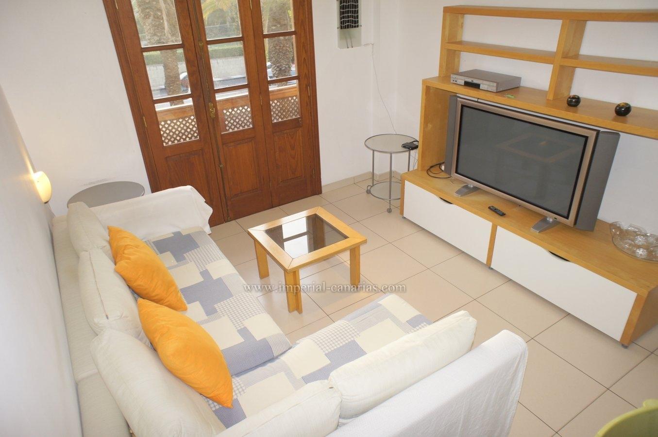Modernes Apartment mit zwei Schlafzimmern in der Wohngegend von La Paz von Puerto de la Cruz