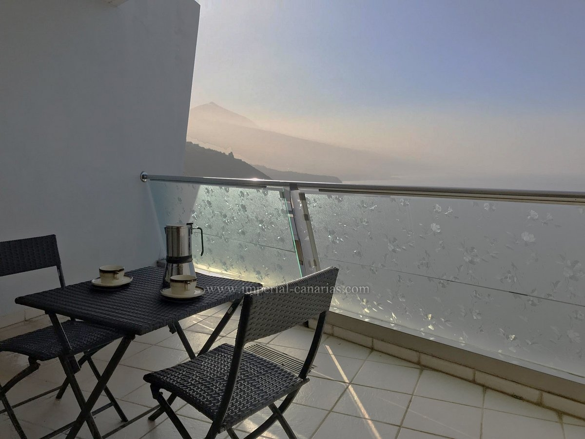 Beautiful apartment with wonderful views all over the northern coast of Tenerife
