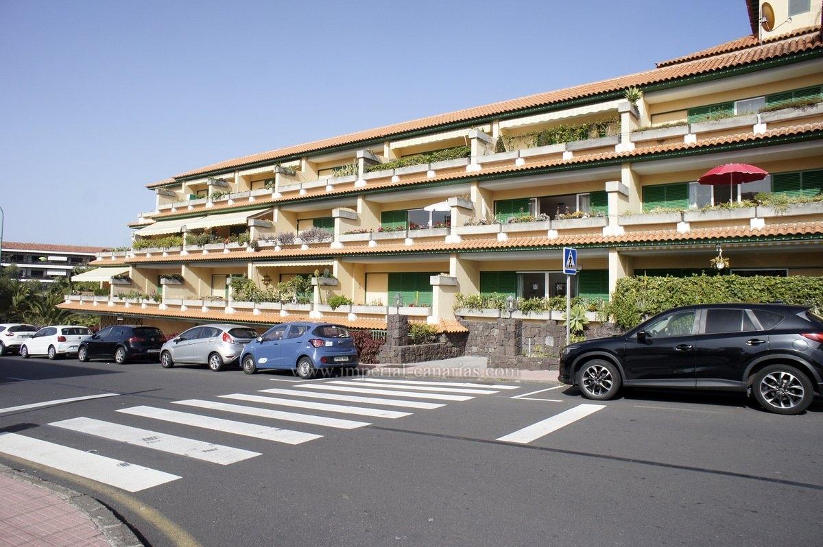 Piso con amplio balcón en alquiler en el centro de La Paz