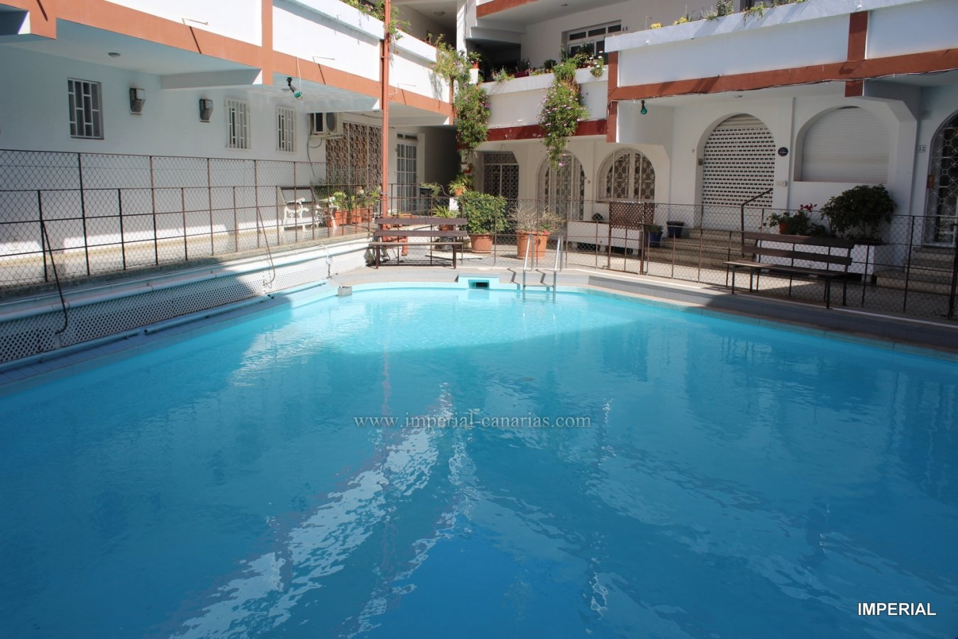 Cosy  and confortable apartment in Puerto de la Cruz, with communal pool in San Fernando area near the Clinic Bellevue Clinic and Taoro Park.
