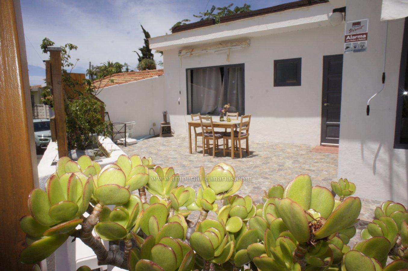 Romantisches Haus in einer ruhigen Gegend mit schöner Aussicht