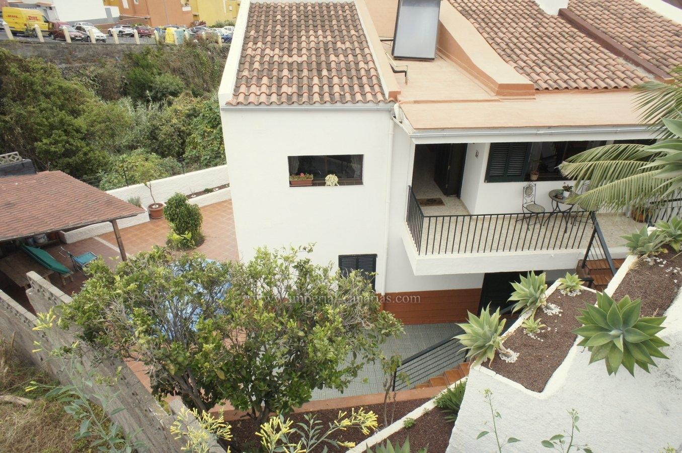 Big semi detached house with privat patio in La Orotava!