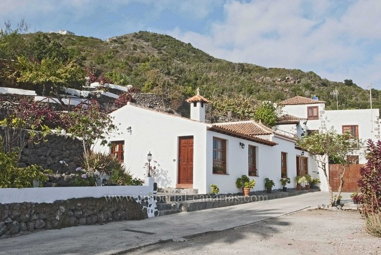 Enjoy nature in this fully renovated canarian house