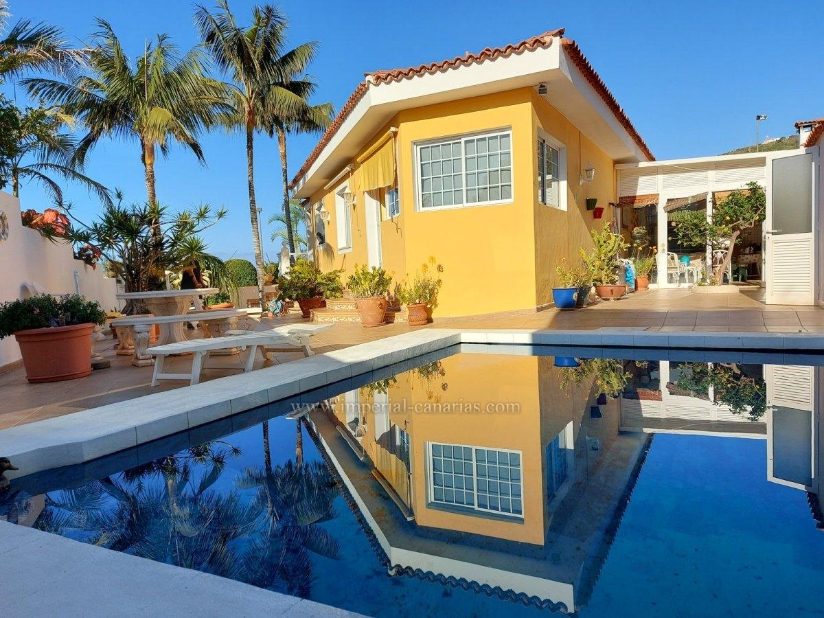 Cozy House in a quiet residential area in La Primavera