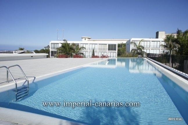 Schöne, moderne und geräumige Wohnung mit einem Schlafzimmer und ein Badezimmer in La Quinta von Santa Úrsula, mit Garage und Gemeinschaftspool.