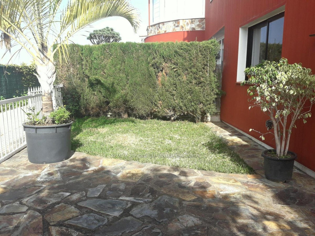 Coqueto apartamento en chalet privado en zona de La Luz!