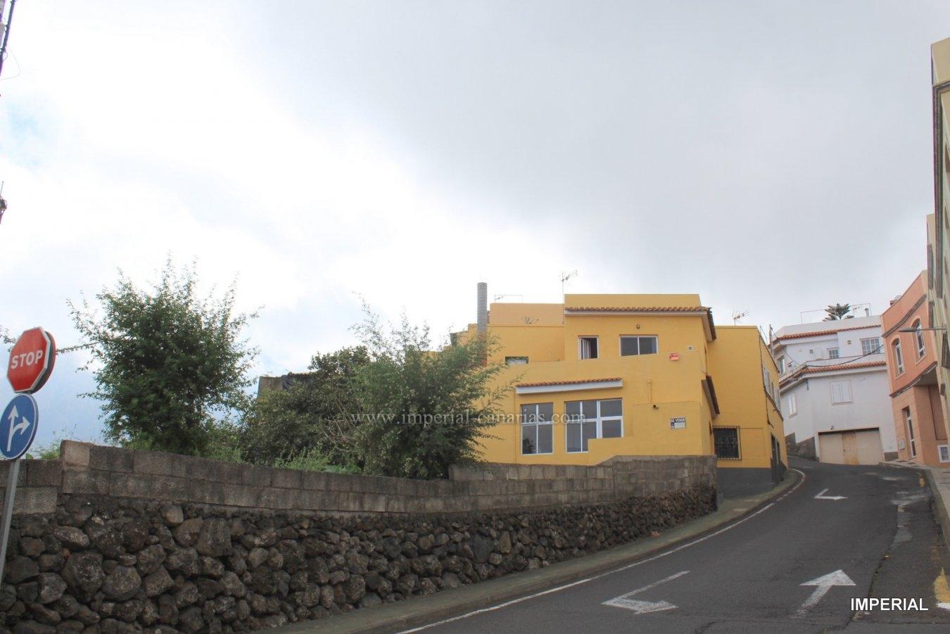 Zweistöckiges Haus zum Renovieren mit herrlichem Blick auf das La Orotava-Tal.