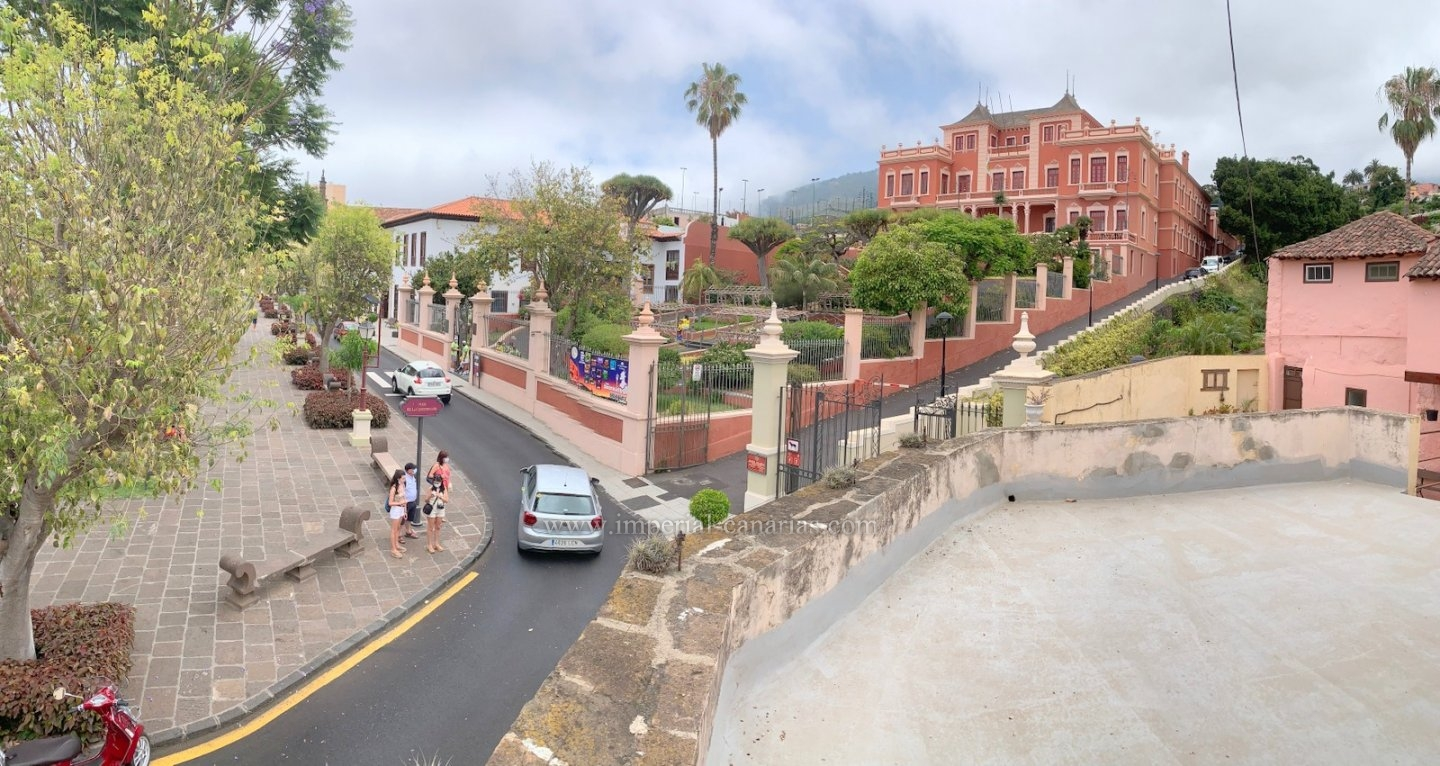 Buy history of Tenerife, spectacular old house from 1890 with 500m2 built in the centre of La Orotava.