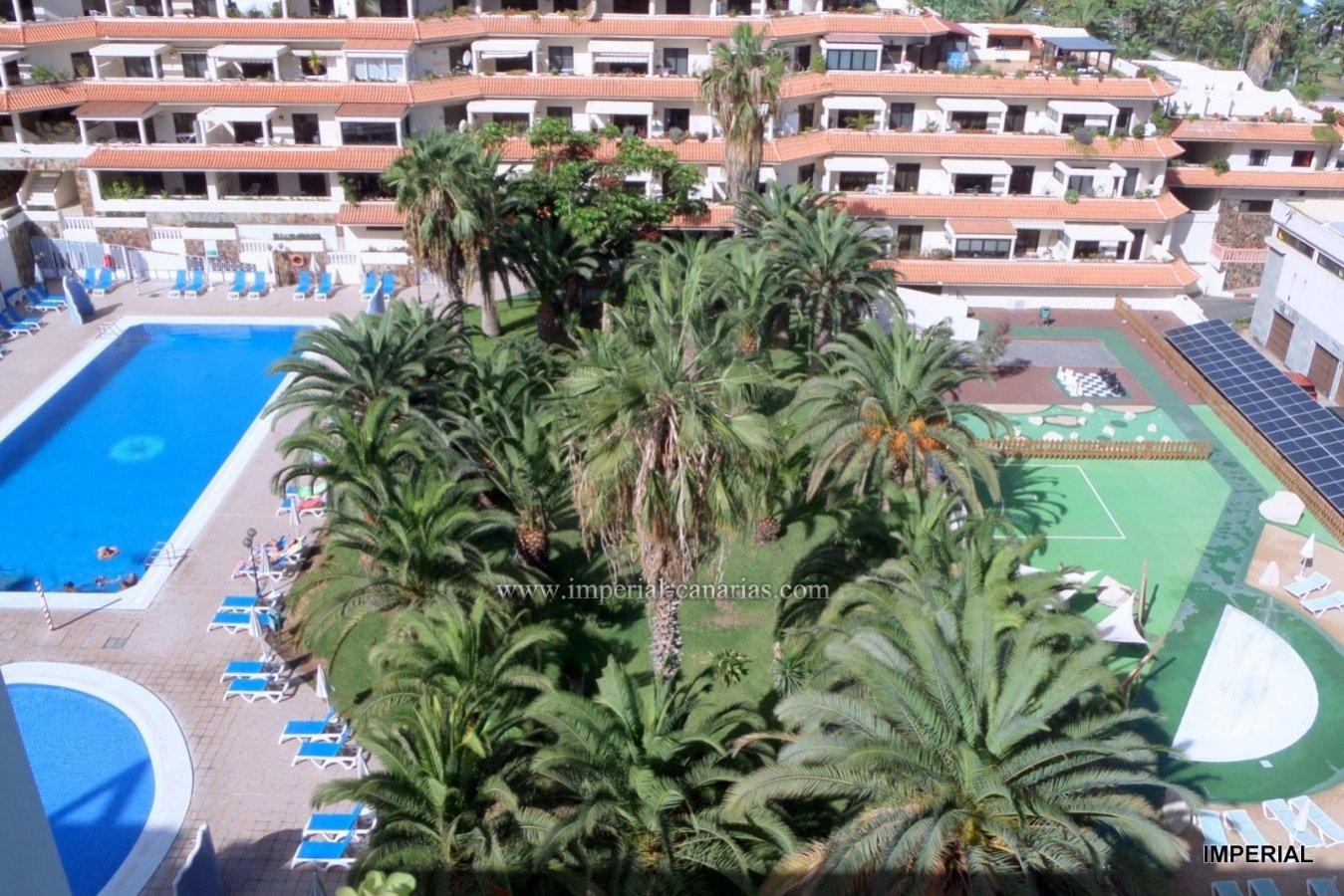 Gemütliche Mietwohnung mit vier Schwimmbädern und direkt am Meer.