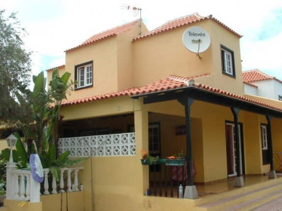Duplex-chalets in Los Frailes  -  Beautiful and spacious Semi detached house in a good residential area.
