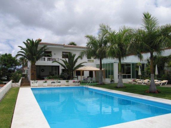Einfamilienhaus in La Primavera  -  Attraktive Villa auf großem Grundstück