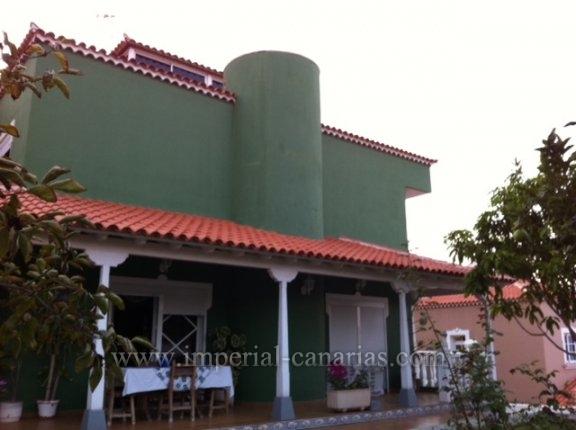 Einfamilienhaus in El Sauzalito  -  Traumhaftes Chalet in ruhiger Urbanisation von El Sauzal