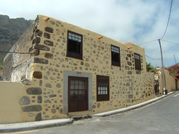 Typisches kanarisches Haus aufgeteilt in 3 Ferienwohnungen.