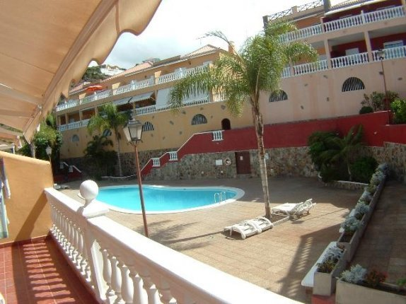 Appartement in Los Frailes  -  Modernes Appartment in der Nähe von Playa Jardin, mit Gemeinschaftspool.