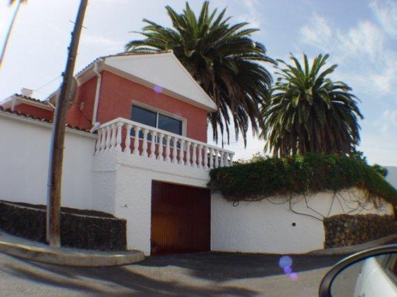 Einfamilienhaus in El Monturio  -  Grosszügiges Haus mit enormer Gartenaanlage und schönem Blick. grosser Garten.