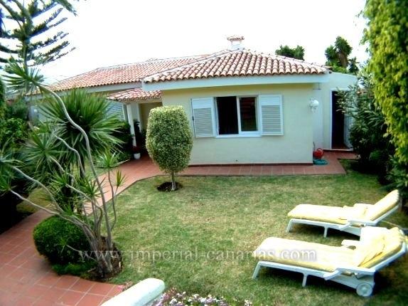 Einfamilienhaus in La Orotava  -  Charmantes Haus mit wunderschönem Panoramablick, tropische Gärten mit Obstbäume.