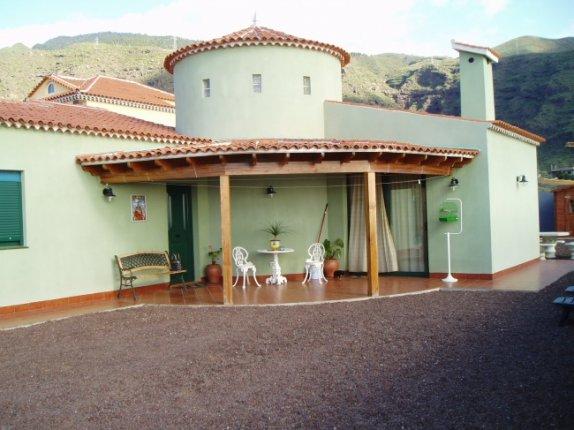 Einfamilienhaus in Candelaria  -  Schönes Haus mit hübscher Sicht und grossem Garten