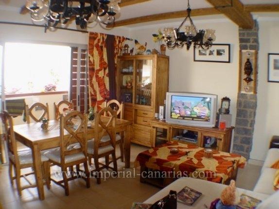 Wohnung in Los Cuartos  -  Große und helle Wohnung in residentialer Wohnlage von La Orotava.