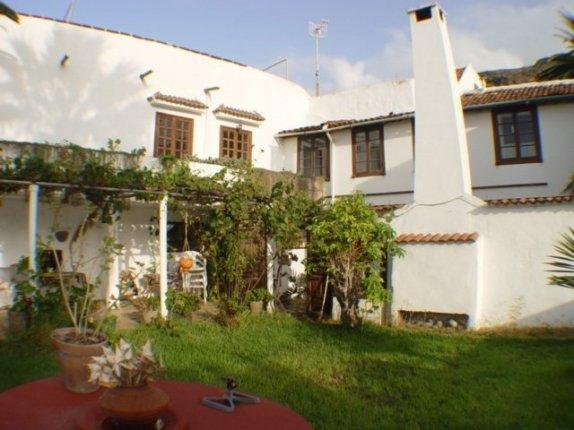 Impresionante Villa Canaria antigua con Terreno.