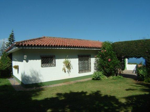 Einfamilienhaus in La Orotava  -  Gem�tlicher Bungalow in ruhiger Wohnlage von La Orotava mit gepflegtem Garten.