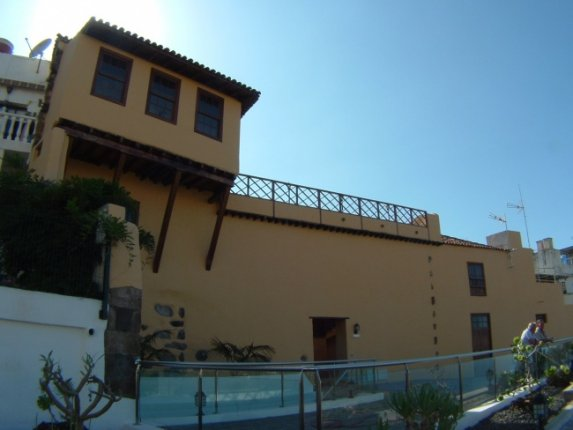 Canarian rural hotel in the protected town of San Vicente with panoramic views.