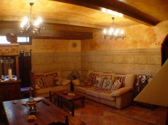 Einfamilienhaus in Tacoronte  -  Reizvolle Villa in einer der besten Wohnlagen von Tacoronte mit vielen Extras.