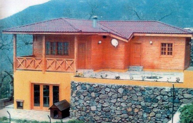 Einfamilienhaus in Barroso  -  Holzhaus in ruraler ruhiger Gegend mit schöner Aussicht.