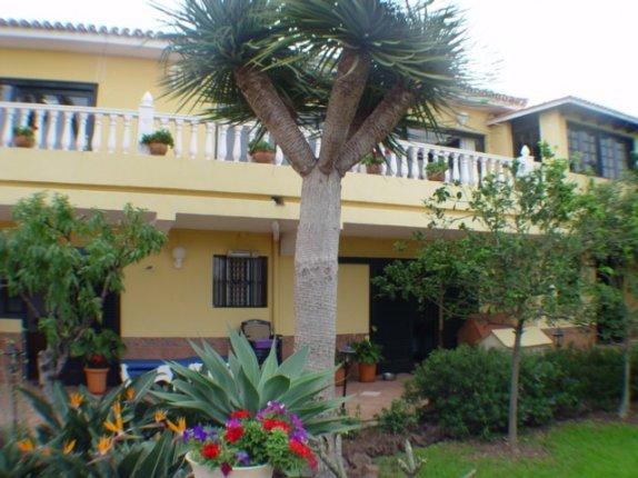 Einfamilienhaus in Los Realejos  -  Grosszügiges und helles Chalet in perfektem Zustand mit Gäste Apparment.