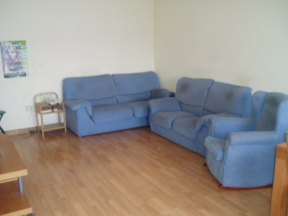 Large flat with panoramic views in quiet area.