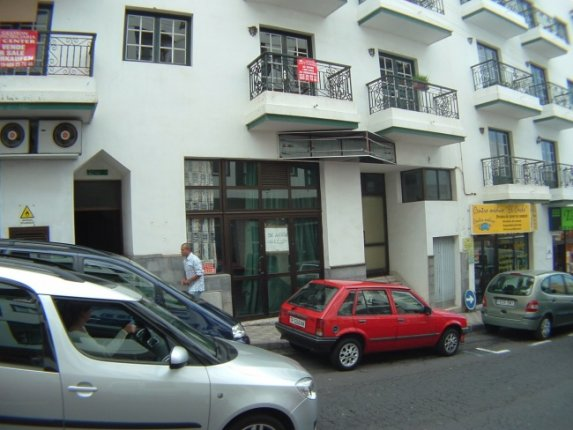 Business premises in Los Realejos  -  Comercial shop in central area of Los Realejos. Also for let for 1200 €