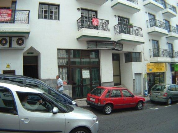 Geschäftslokal in zentraler Lage von Los Realejos. Auch in Miete für 1.200 €