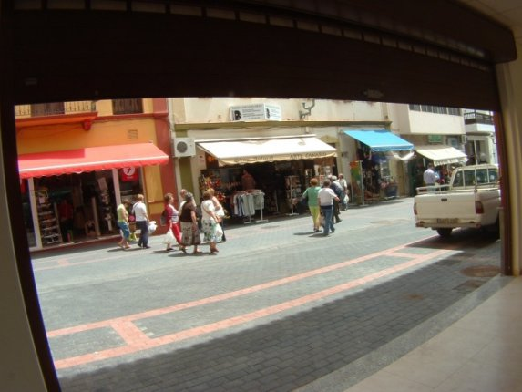 Comertial shop in cental area of Puerto de la Cruz with basement.  click to enlarge the image