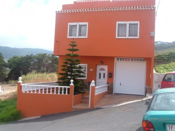 Einfamilienhaus in Camino La Rúa  -  Zu vermieten !! Kanarisches Haus auf 3 Etagen mit 6 Schlafzimmern,Garage