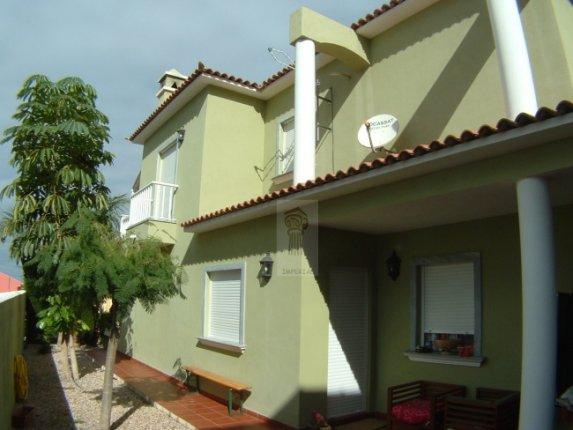 Einfamilienhaus in La Orotava  -  Großes neuwertiges Chalet mit erstklassigen Baumaterialien in La Orotava